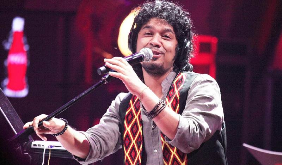 Complaint against singer Papon for 'inappropriately kissing' minor girl on reality show