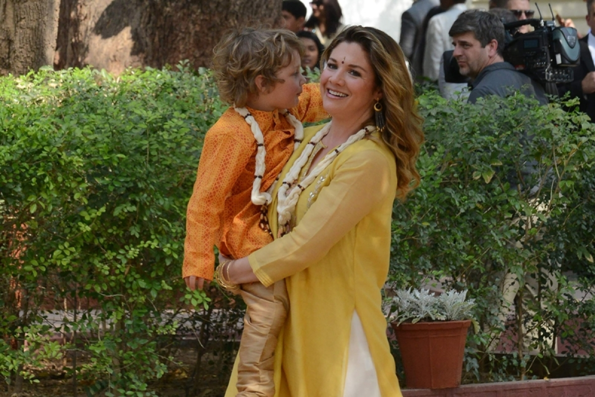 Justin Trudeau's wife Sophie spotted in Anita Dongre-designed Chanderi suit
