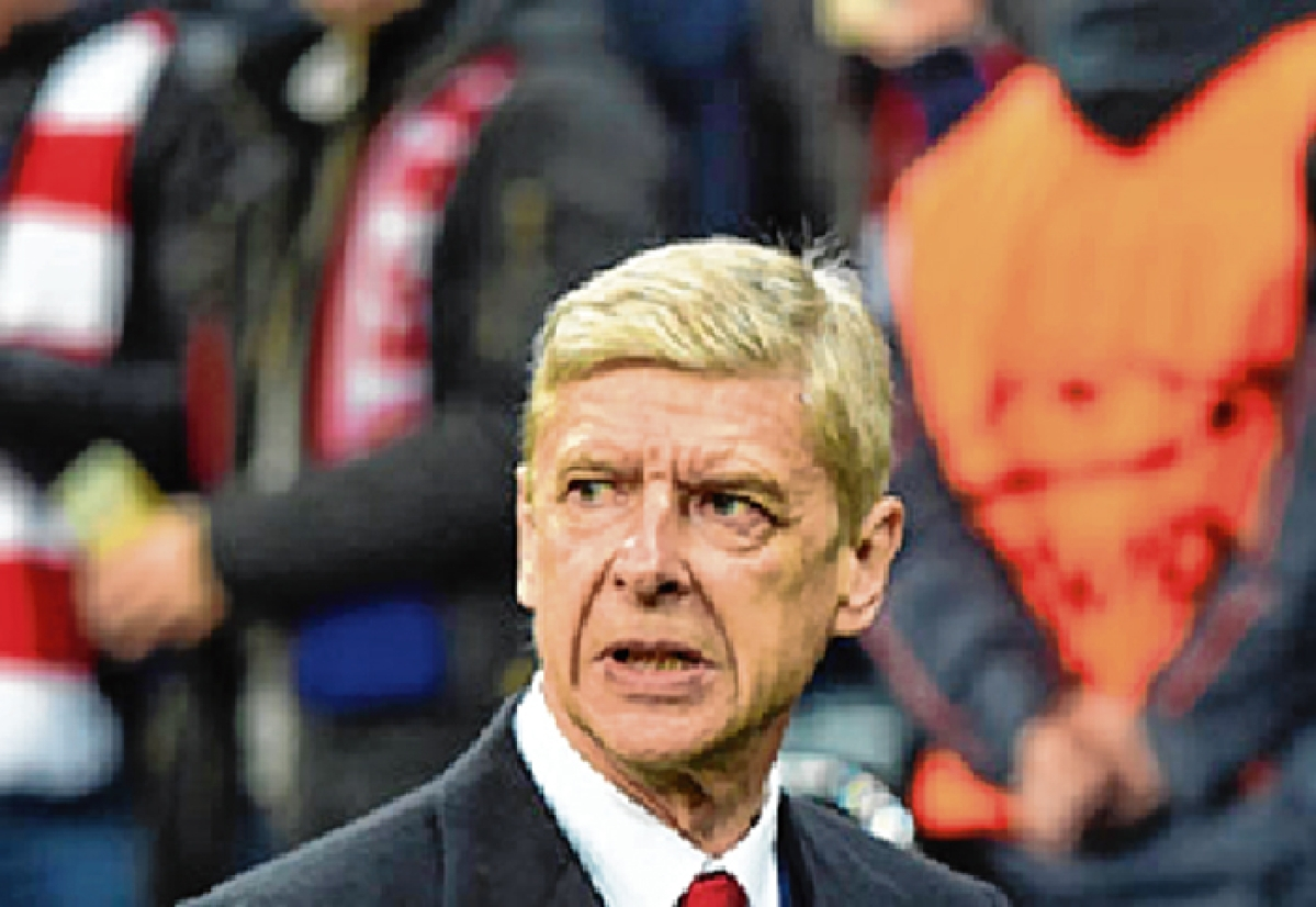 Arsenal must part ways with Wenger, says club great Wright