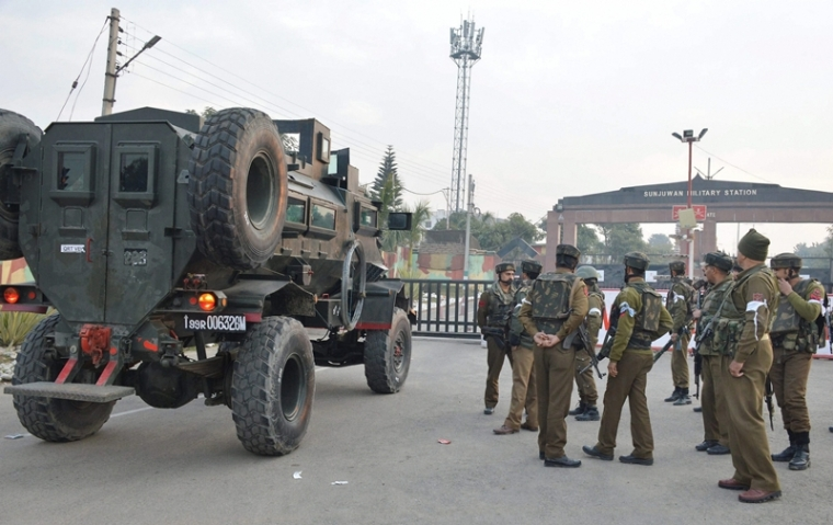 Jammu and Kashmir: Spontaneous shutdown after rumours about scrapping of Article 35A cause clashes