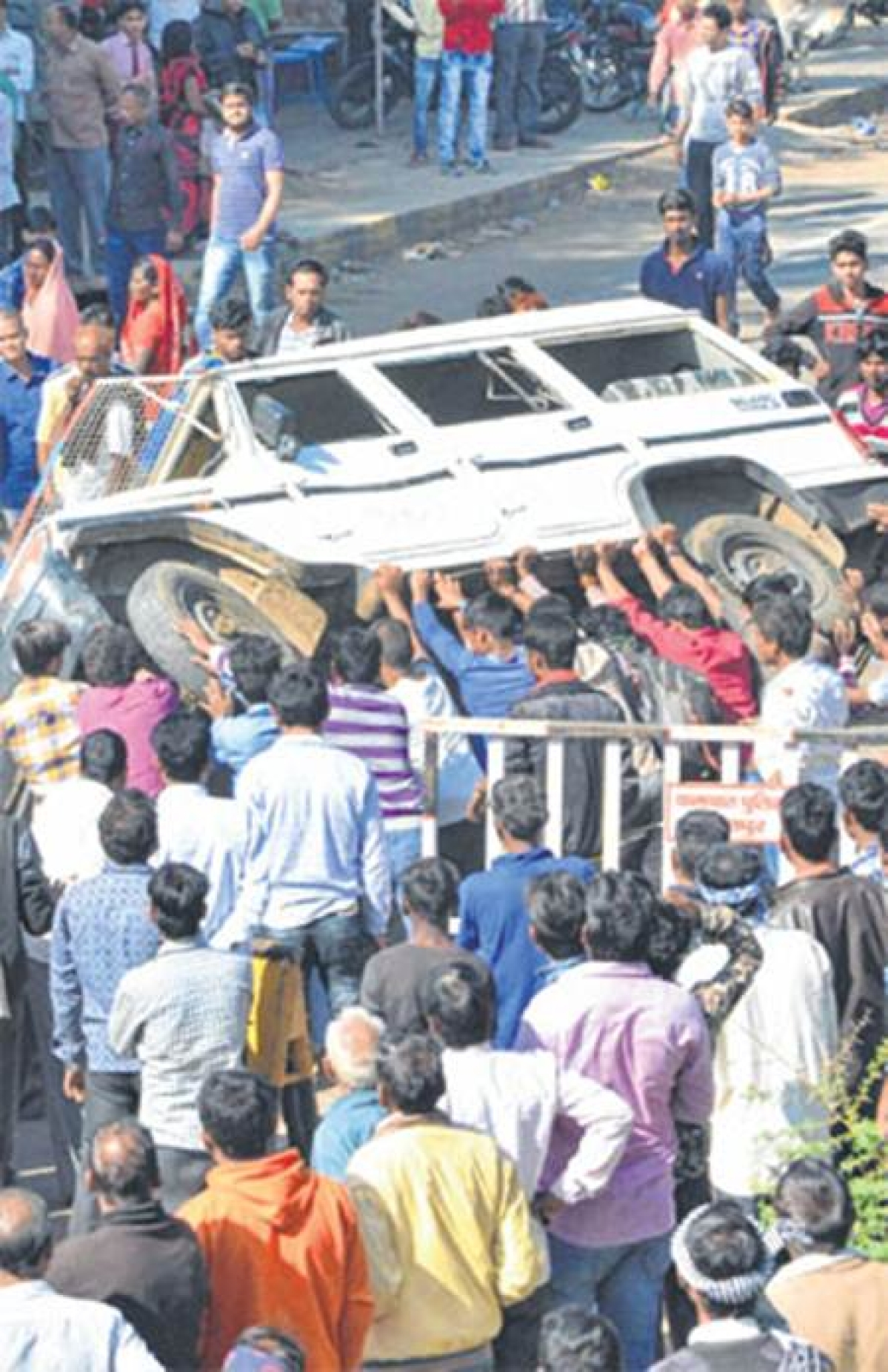Bhopal: Violence in Jabalpur as truck rams 3 roadside shops, 5 dead