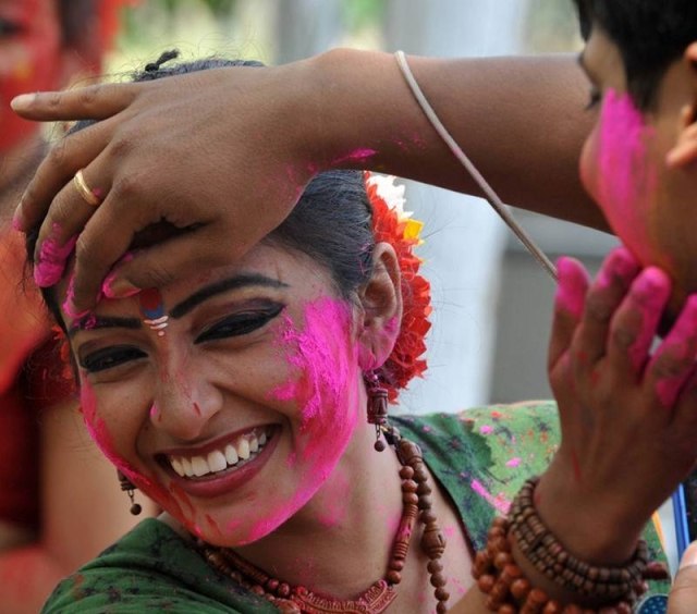 Holi-themed weddings are increasingly becoming popular