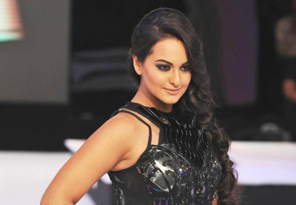 Sonakshi Sinha rewrites Yo Yo Honey Singh's 'Love dose'