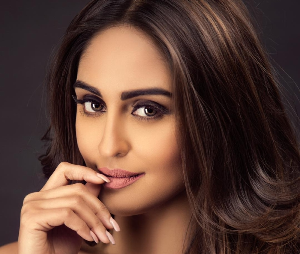 Krystle D'Souza takes cue from Rekha's act