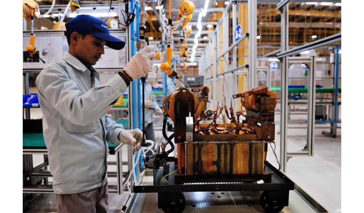 Industrial production picks up 7.1% in Dec