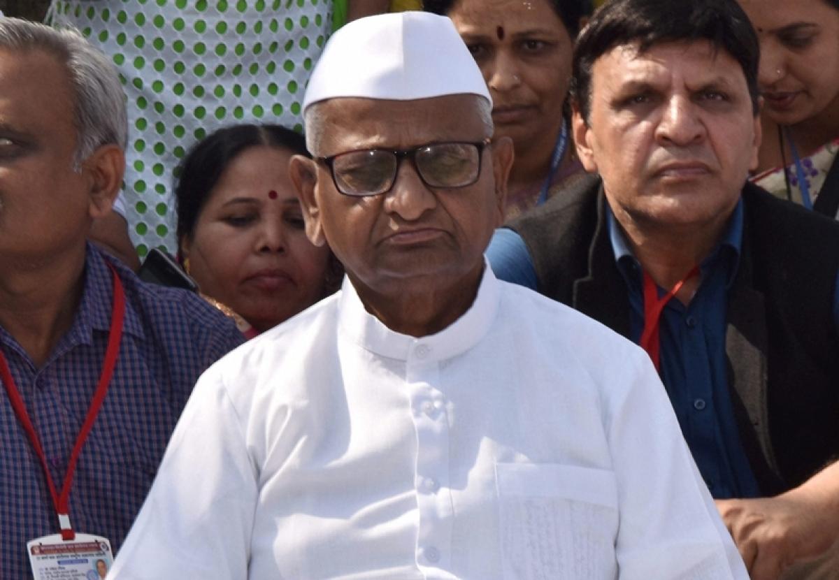 Bribe jibe: NCP spokesman Nawab Malik apologises to Anna Hazare
