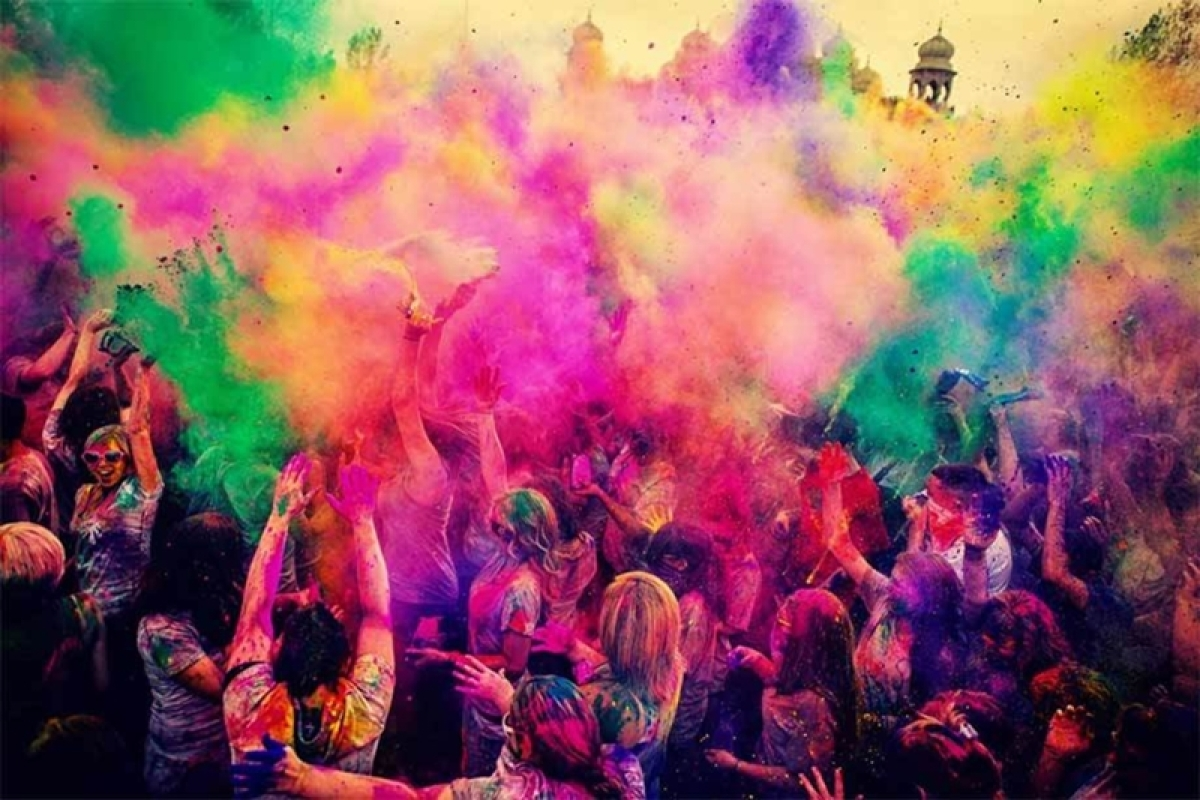 Mumbai: FDA unaware of toxic levels in Holi colours being sold in markets