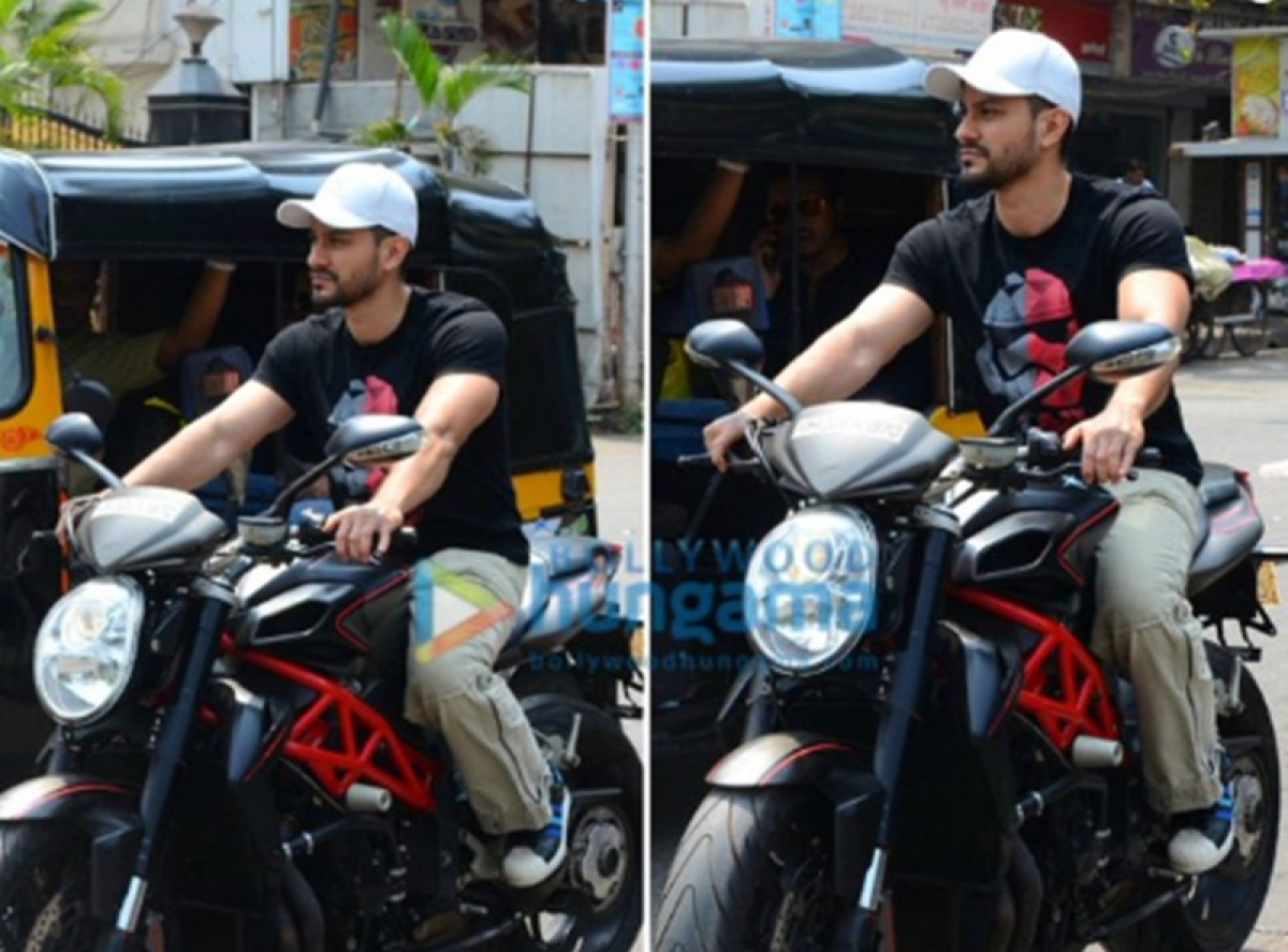 Kunal Khemu fined Rs 500 by Mumbai Police for riding without helmet; apologises on Twitter