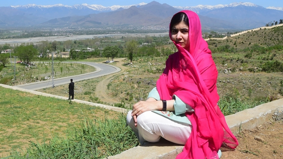Canadian politician's pic with Malala Yousafzai criticised
