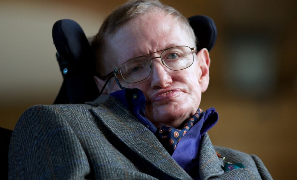 UK issues 'black hole' coin in honour of Stephen Hawking