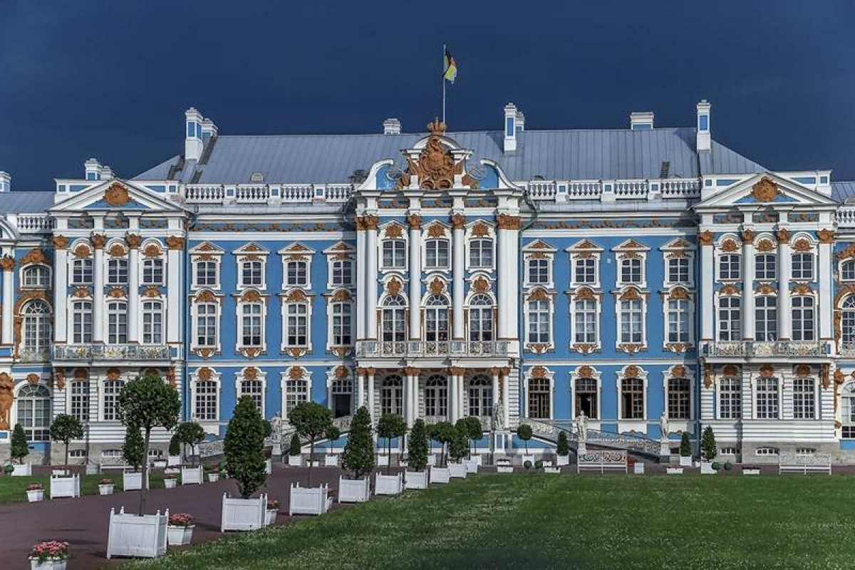 St. Petersburg: Get captivated by the northern splendour