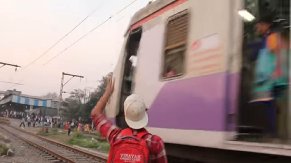 Mumbai: Notorious YouTuber 'VJ' to face music for creating nuisance on Railway premises