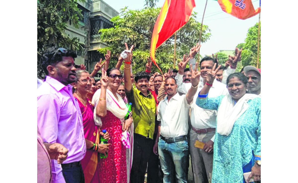 Maharashtra Election 2019 - Chembur Assembly Constituency of Mumbai: Shiv Sena's Prakash Vaikunth Phaterpekar wins