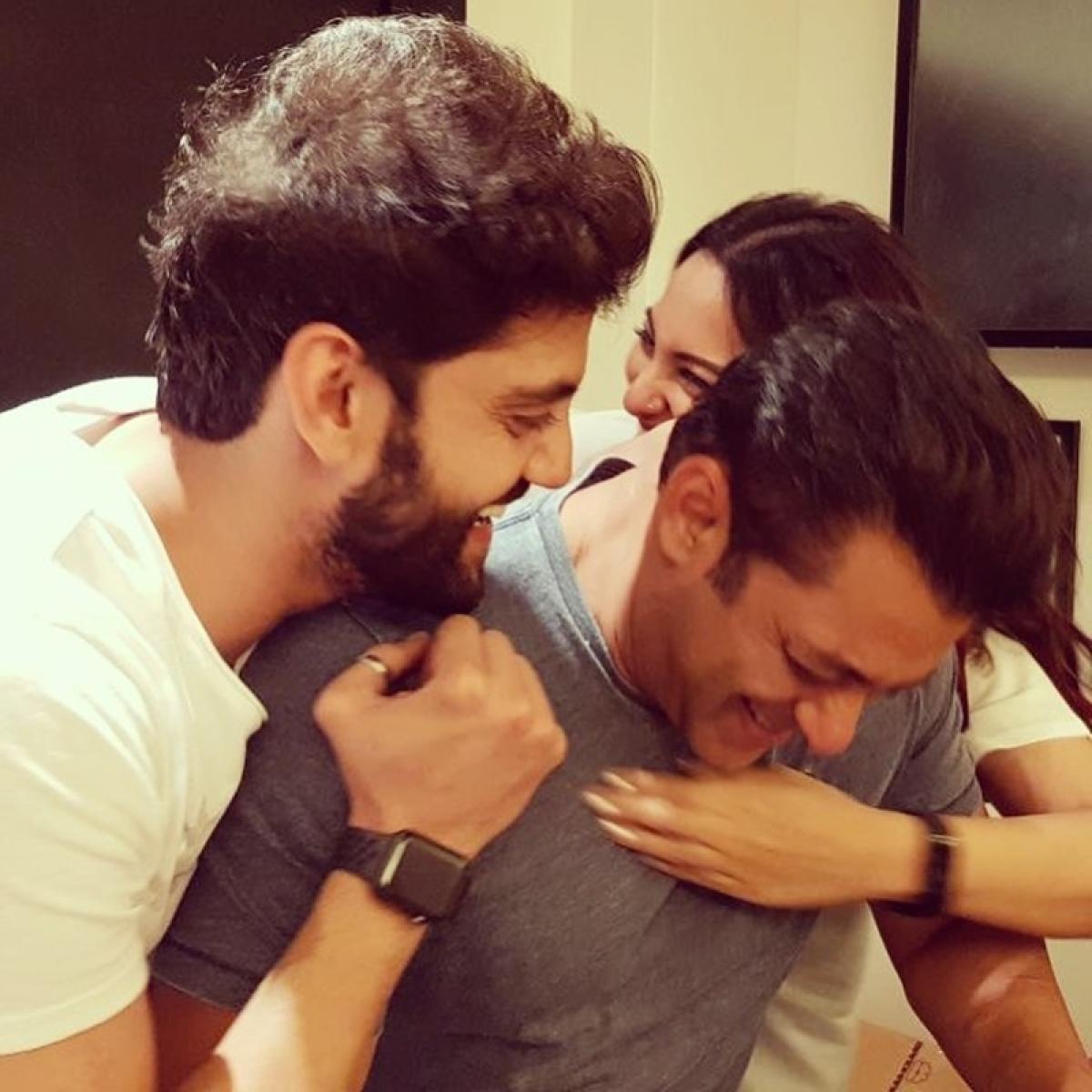 Blackbuck Poaching Case: Salman Khan's industry friends celebrate as actor gets bail