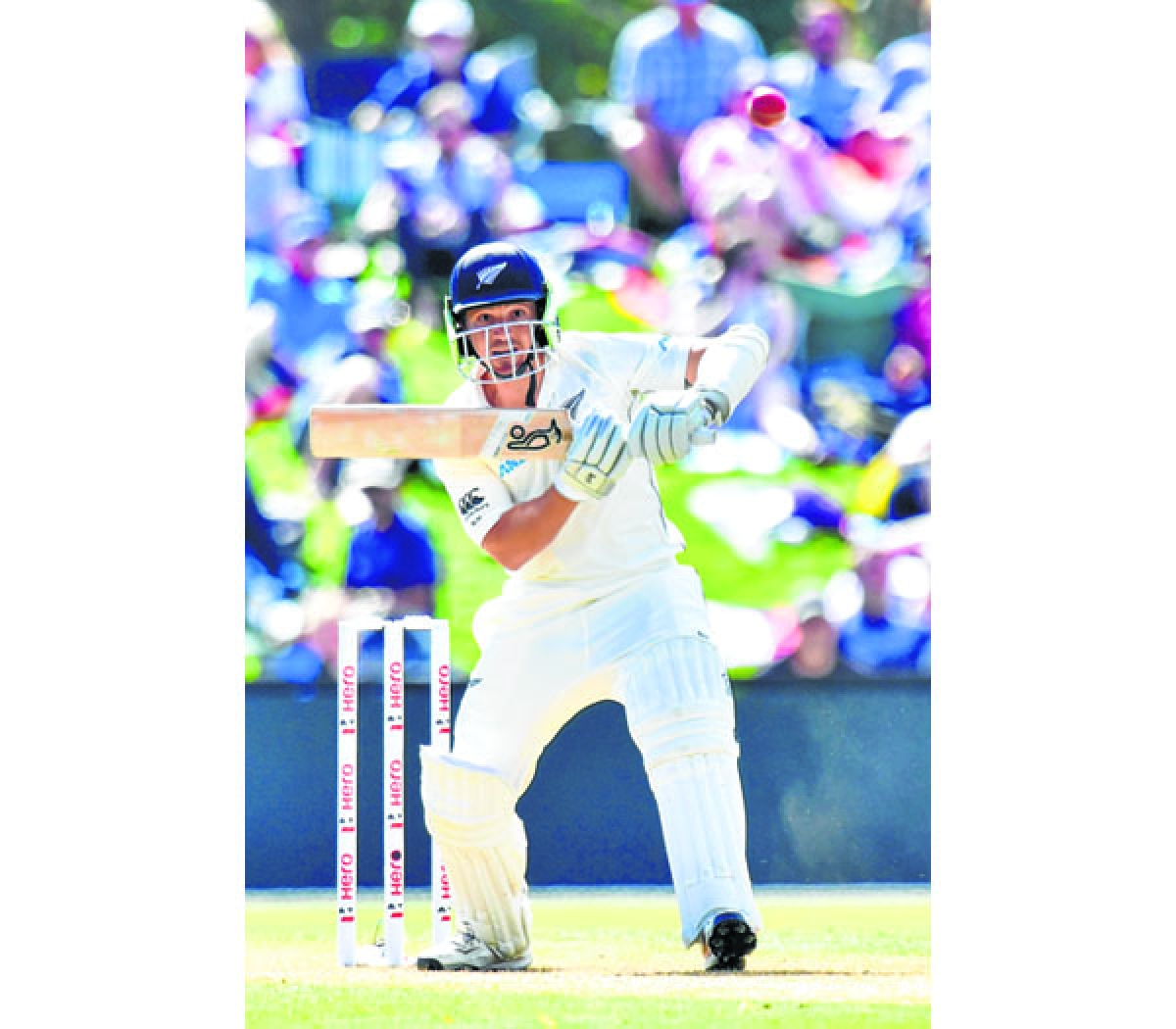 New Zealand's BJ Watling bats during day two of the second cricket Test match between New Zealand and England at Hagley Oval in Christchurch on March 31, 2018. / AFP PHOTO / Marty MELVILLE