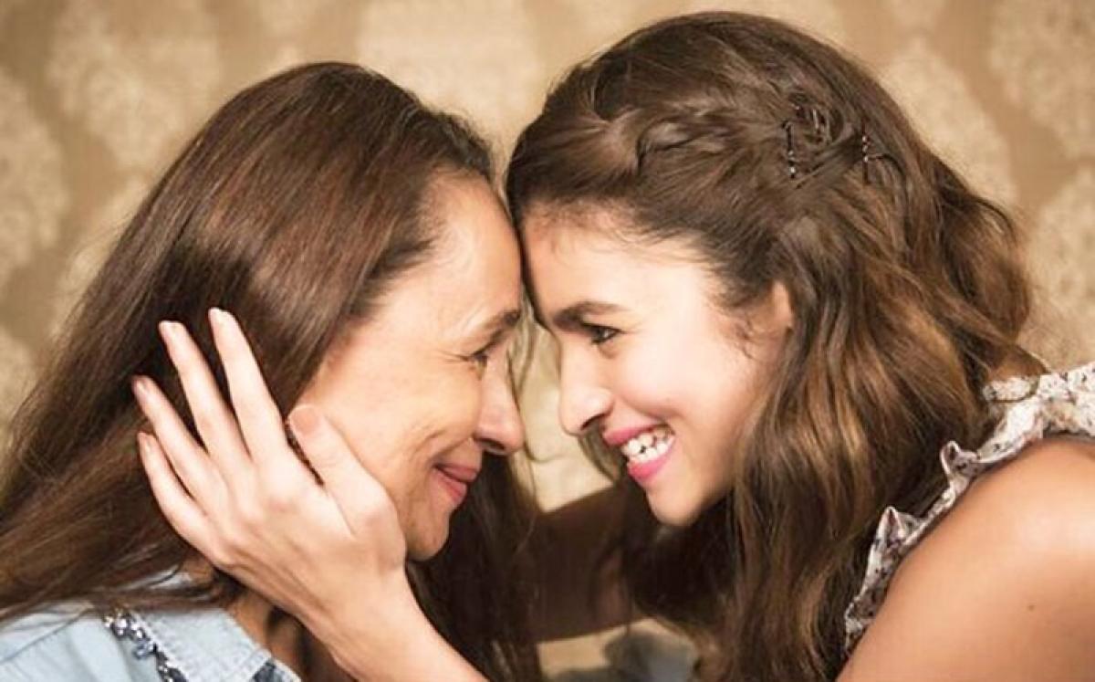'Raazi' Revelations! Alia Bhatt croonsfirstsong of film, calls Soni Razdan 'Best Actor Mommy'