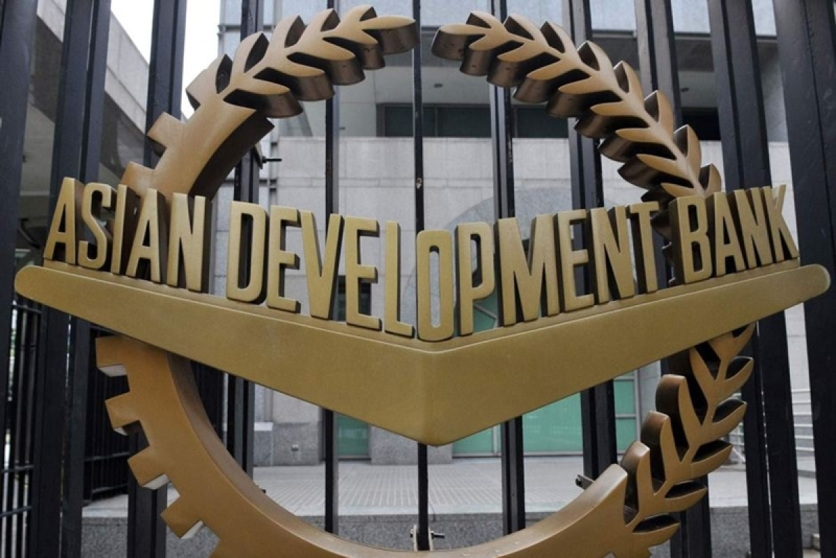 ADB approves USD 1billion emergency loan for Pakistan