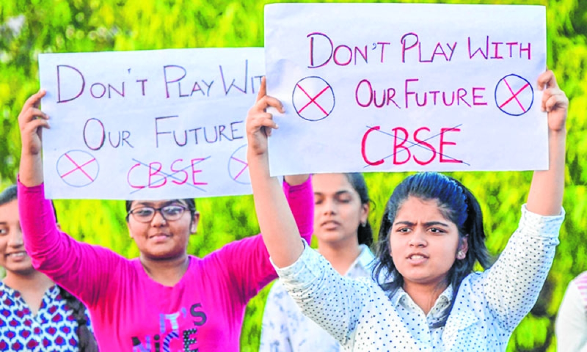 Aggrieved student blames board, HRD ministry in her open letter