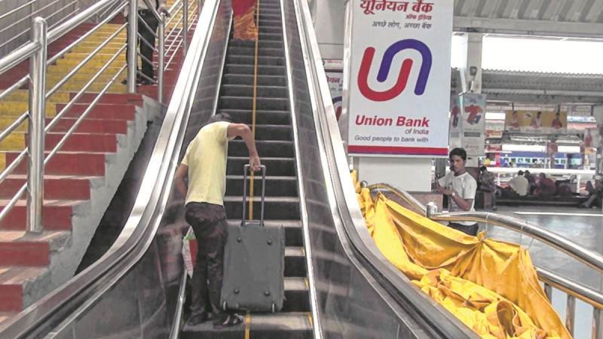 Mumbai: Central Railway to have 288 escalators for all stations