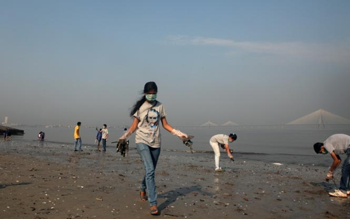 Mumbai: Biomedical waste found littered across Dadar beach, creates panic among visitors and tourists