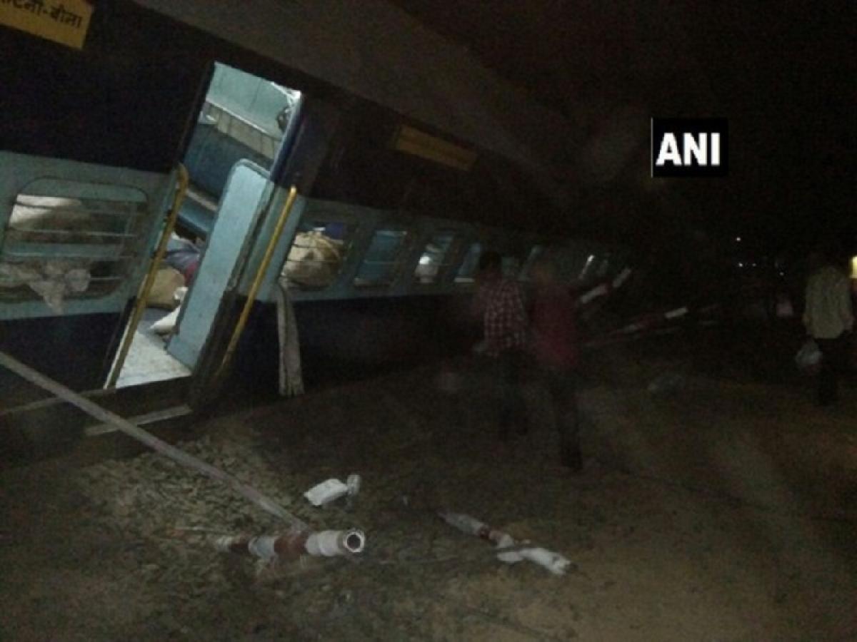 8 injured as passenger train derails in Madhya Pradesh