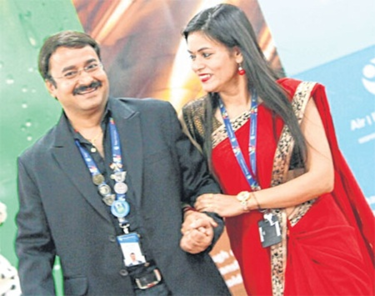 Indore: Meeting clients, having meals tied Poonam and Anand in matrimony