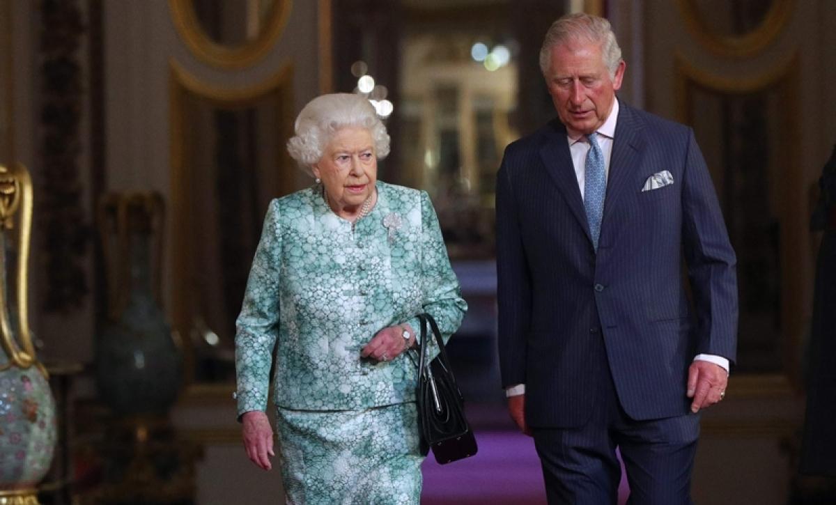 Royals pose on Prince Charles 70th birthday