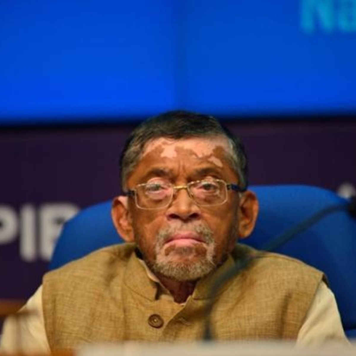 Union Minister Santosh Gangwar complains about COVID-19 situation in Bareilly, tells UP CM officials don't take calls
