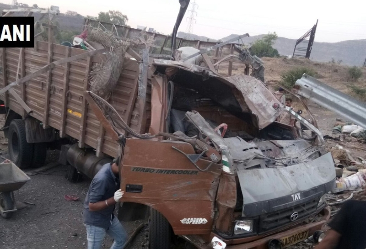 Maharashtra: 18 labourers killed, 15 hurt as truck overturns in Satara district