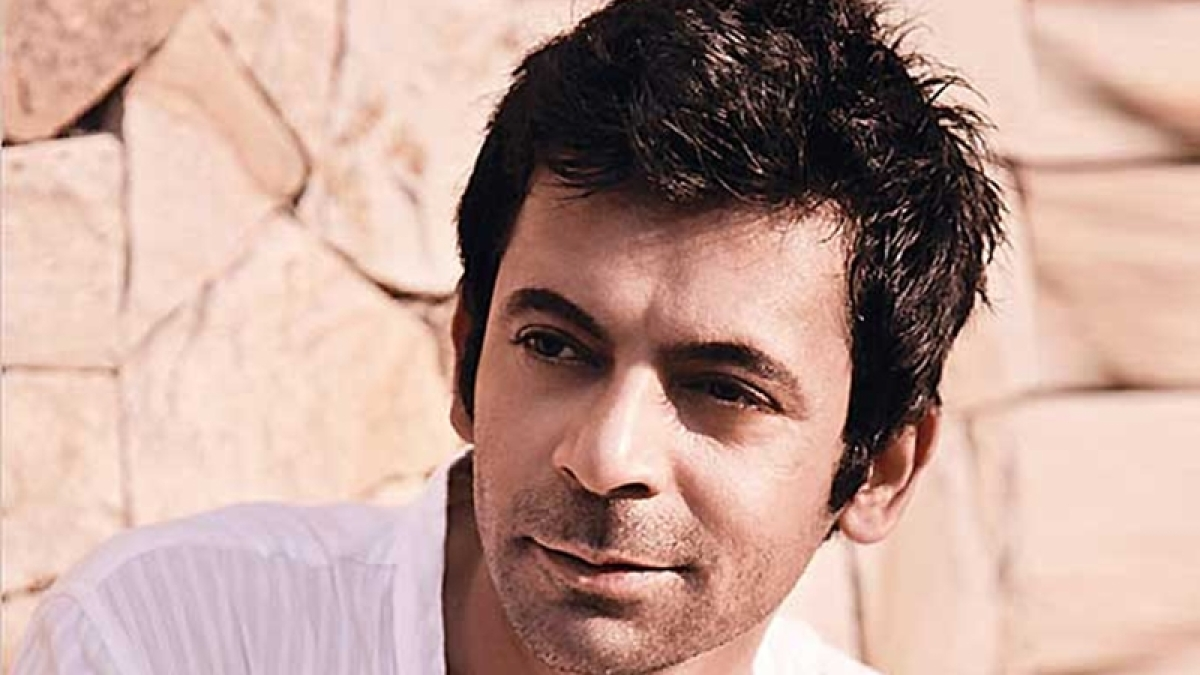 Watch Sunil Grover recreate Rinku Bhabhi's famous song 'Mere Husband Mujhse Pyaar Nahi Karte'