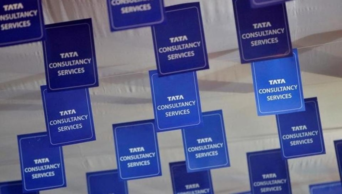 TCS Q2 net profit rises 1.8% to Rs 8,042 cr, announces special dividend