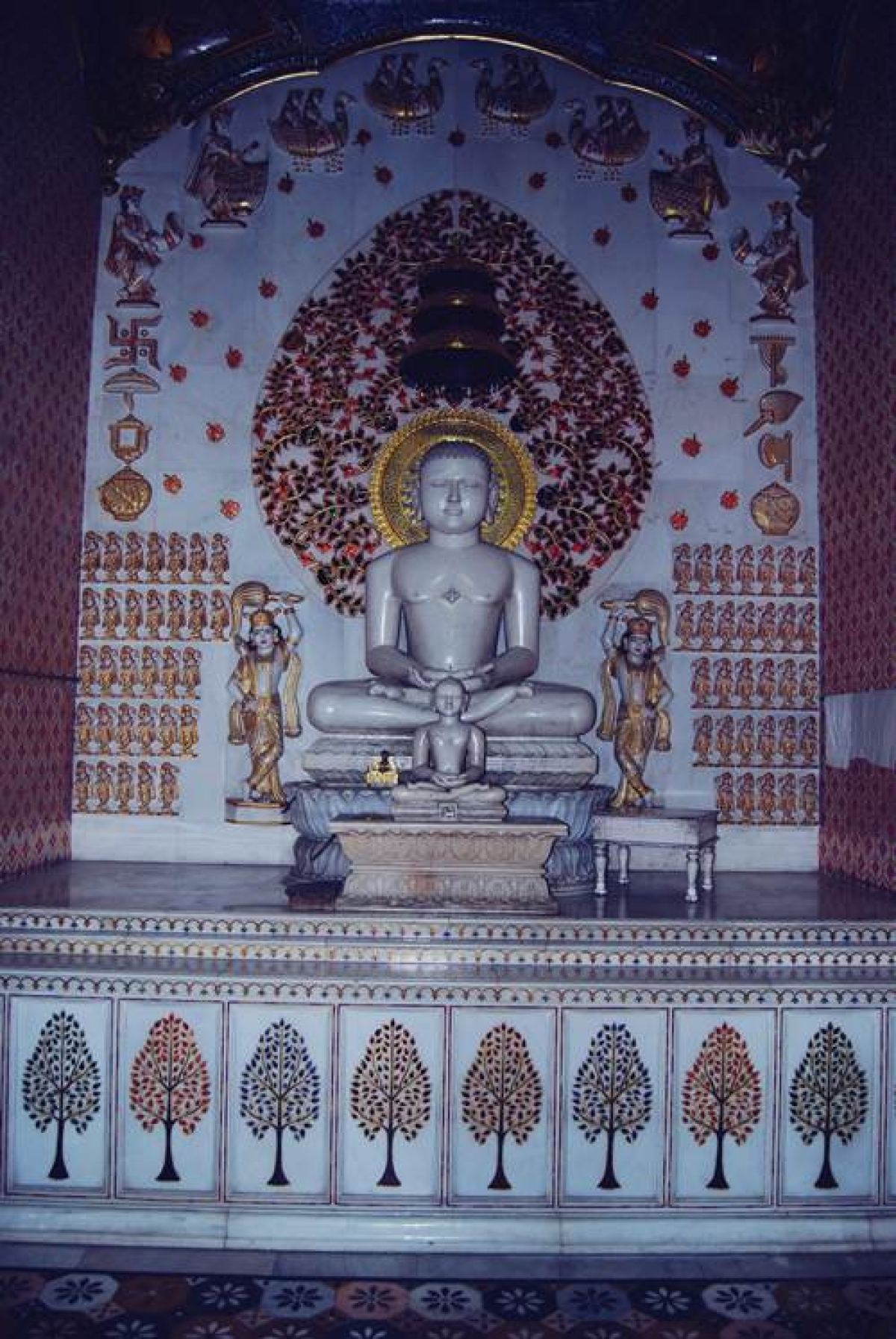 The Rishabhdeo idol at the Nasiyan Digambar Jain Temple. Photo by Shaili Shah