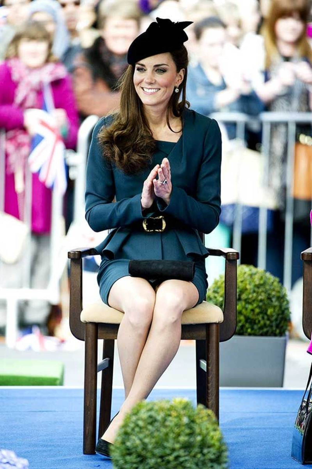 Learn to sit like a royalty from Duchess of Cambridge, Catherine Middleton