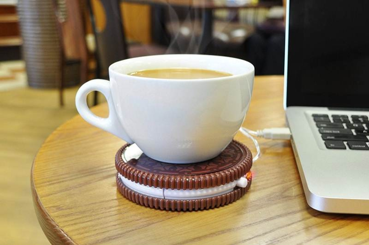USB biscuit-shaped cup warmer