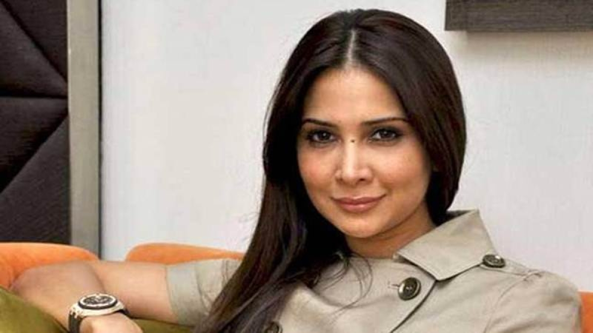 Kim Sharma gets Mumbai Police notice for allegedly refusing to return businessman's Range Rover