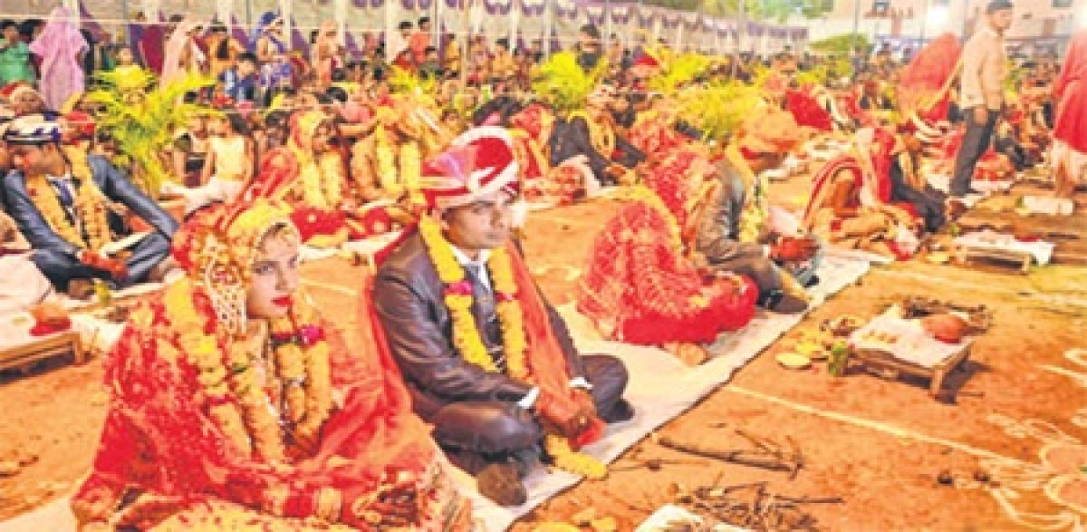 Ujjain: Several couples tie the knot in mass marriage ceremonies on Akshay Tritiya