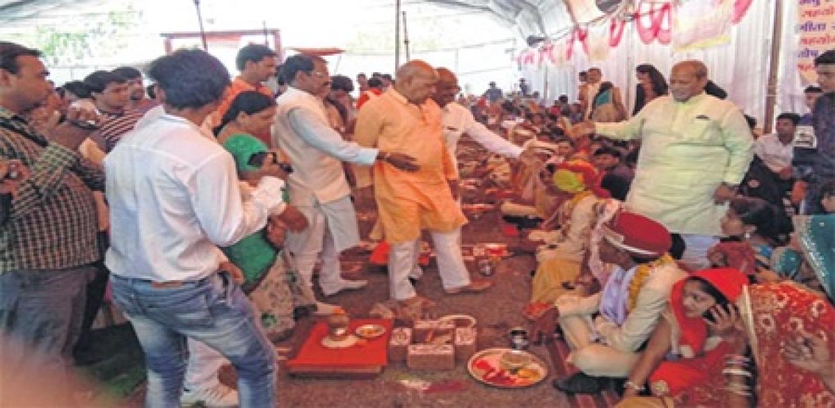 Ujjain: Couples tie the knot in mass marriage ceremonies