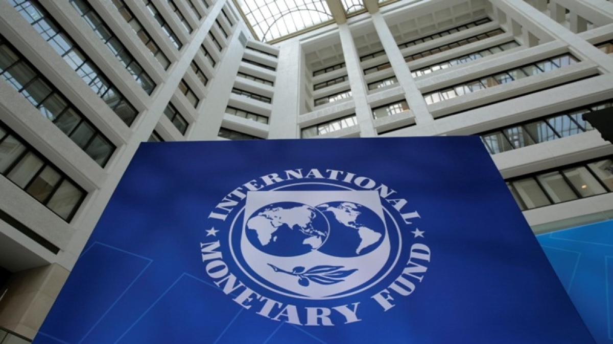 IMF projects down India's economic growth to 7.3%, still more than China