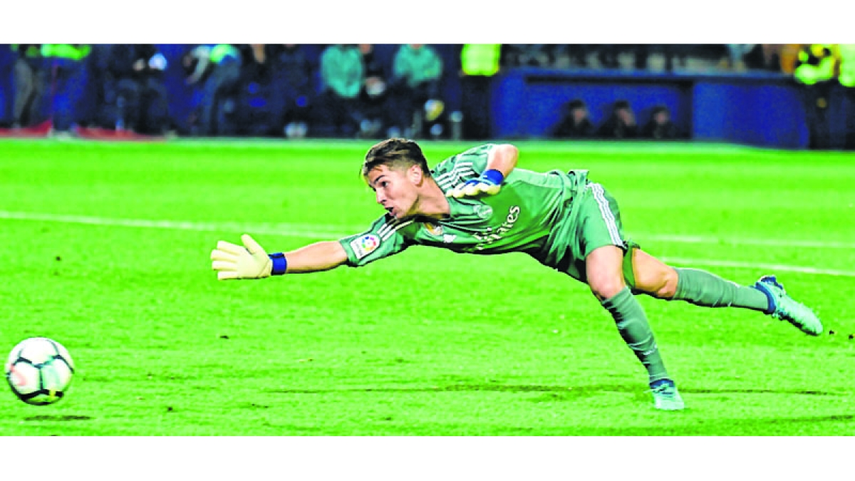 Real draw as Zizou's son makes debut