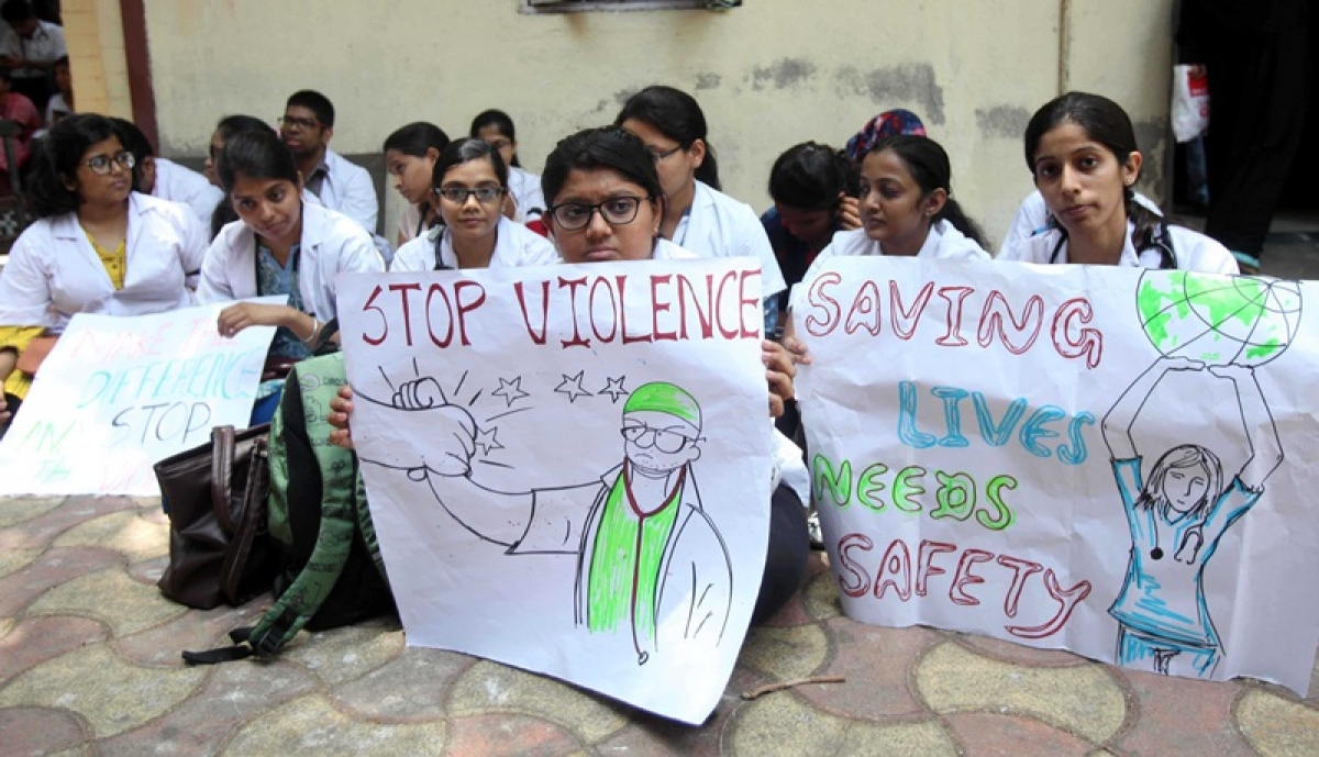 Mumbai: JJ Hospital doctors continue strike as talks fail to break impasse