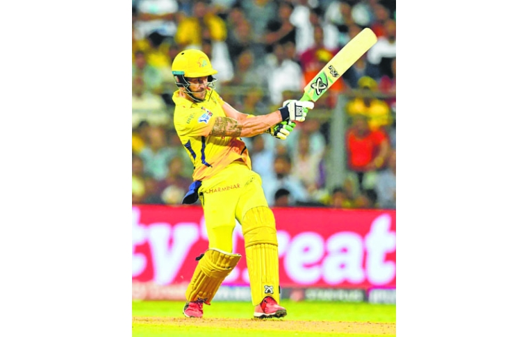 Chennai Super Kings batsman Faf du Plessis plays a shot during the 2018 Indian Premier League (IPL) Twenty20 first qualifier cricket match between Chennai Super Kings and Sunrisers Hyderabad at the Wankhede Stadium in Mumbai on May 22, 2018. / AFP PHOTO / PUNIT PARANJPE / ----IMAGE RESTRICTED TO EDITORIAL USE - STRICTLY NO COMMERCIAL USE----- / GETTYOUT