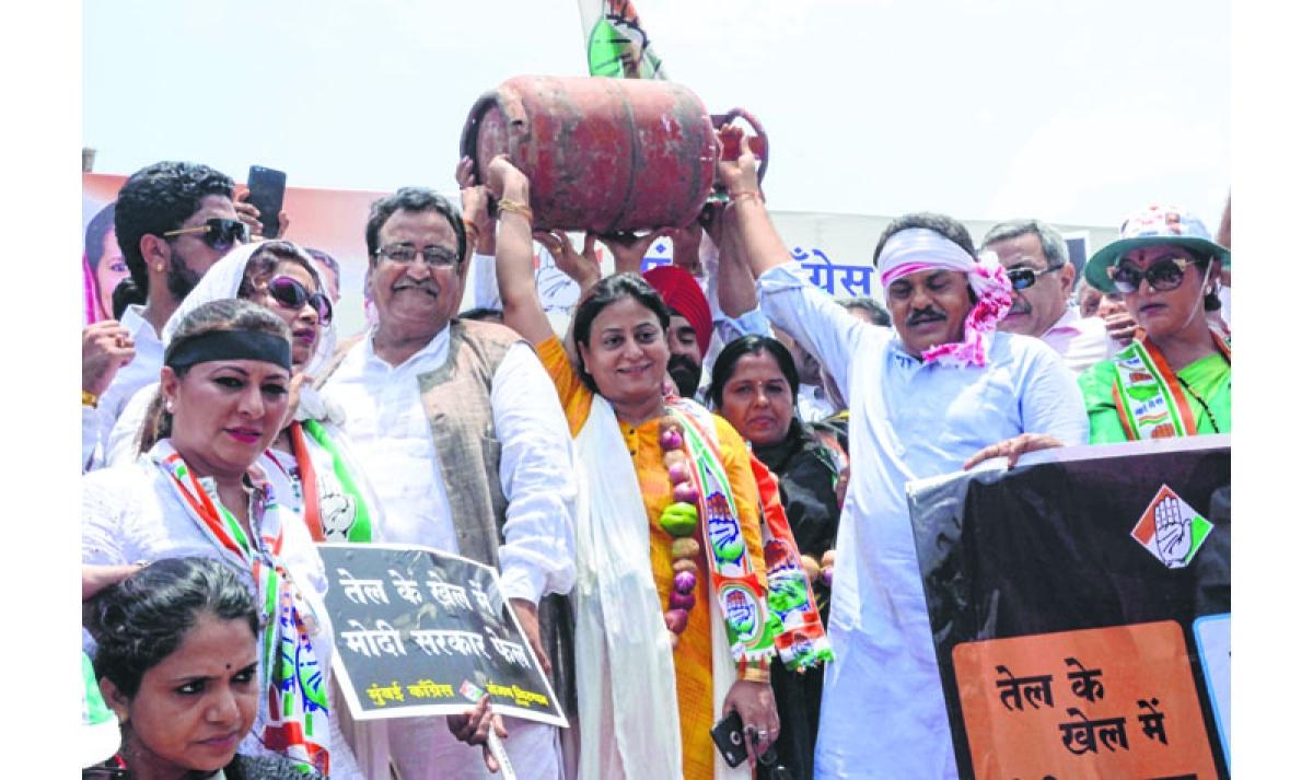 Maharashtra Election 2019 - Vandre West Assembly Constituency of Mumbai: BJP's Adv. Ashish Babaji Shelar wins