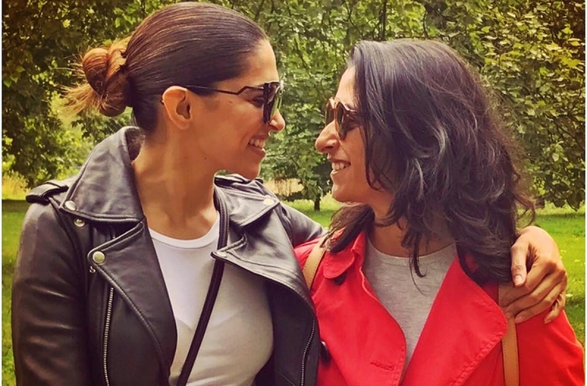 Deepika Padukone pokes fun at her 'little sis' Anisha with this hilarious selfie; see pic