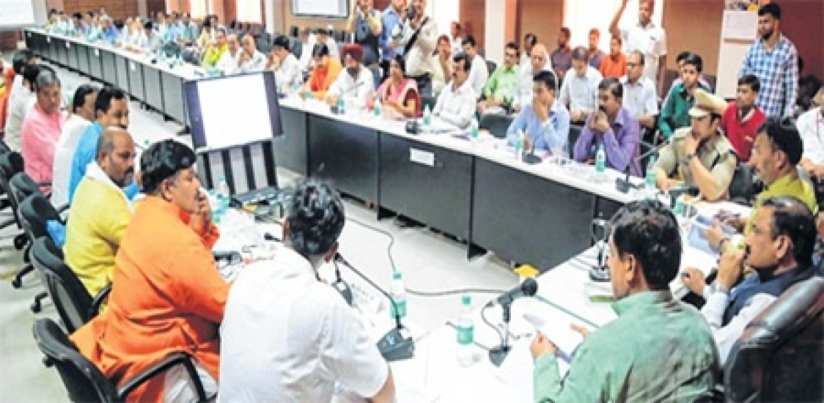 Ujjain: Bhupendra Singh showers praise on collector in bid to disown Kshipra responsibility