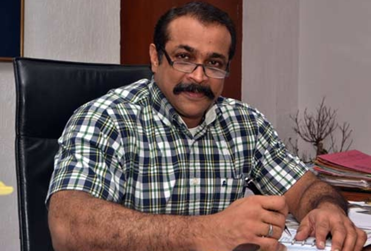IPS official Himanshu Roy shot himself in the mouth: Doctor