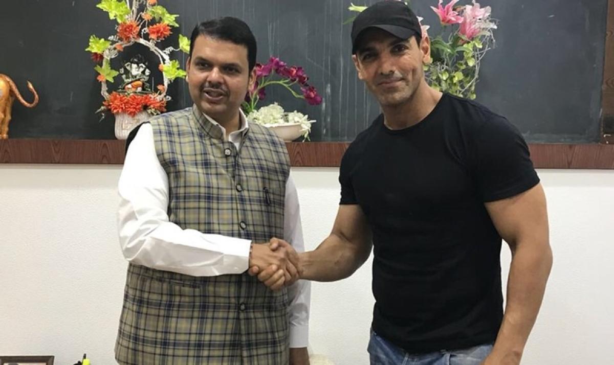 'Parmanu' actor John Abraham meets 'young and dynamic' Maharashtra CM Devendra Fadnavis