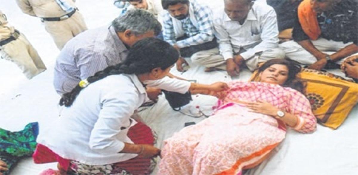 Ujjain: Congress leader Noori Khan braves failing health, continues fast-onto-death for Kshipra river purification