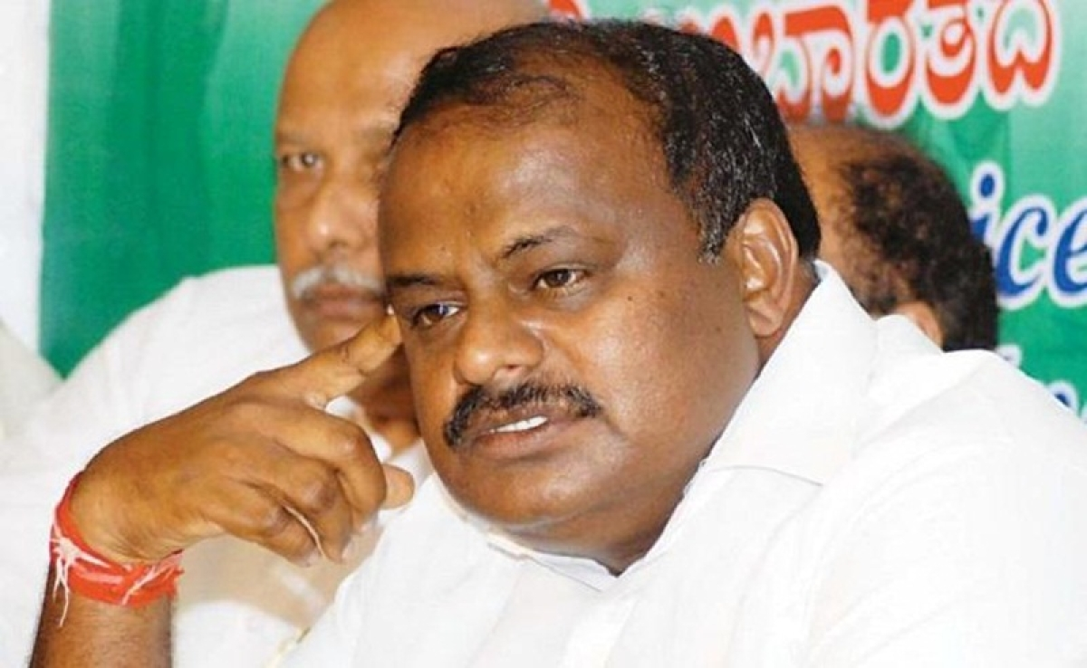 Karnataka elections 2018: Kumaraswamy drops Rs 100 crore bomb which fails to explode