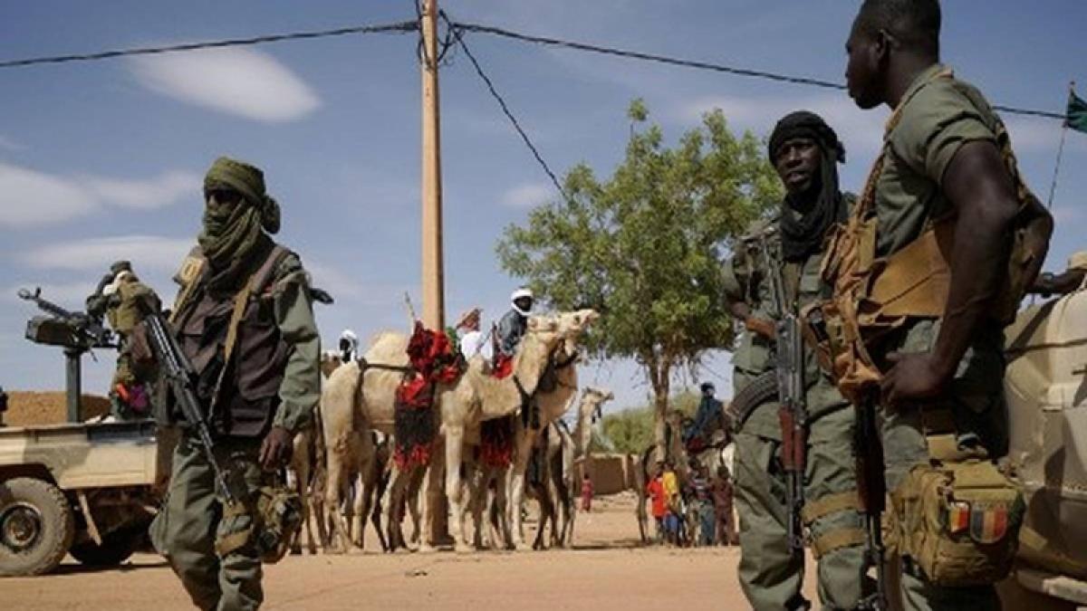 12 civilians killed in Mali market attack