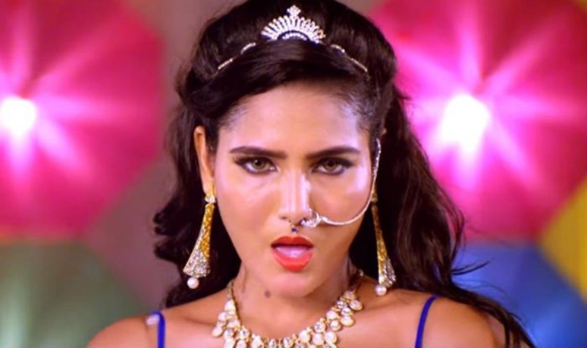 Oh My! Bhojpuri Sunny Leone goes viral with Daaru Bihar Me Bain song